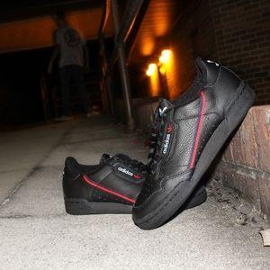 Adidas Continental //Black